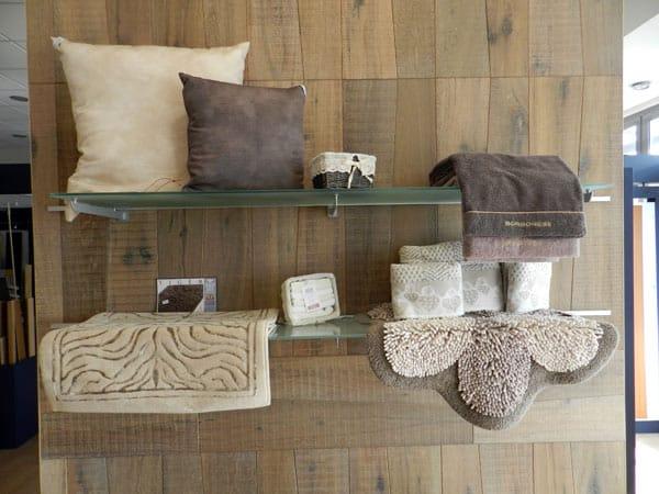 ... Emilia Quattro Castella – In legno moderne bagno camera da letto