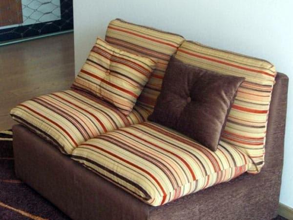 Tappezzeria scandiano reggio emilia tessuti rivestimenti fodere per divani culle sedie cuscini - Fodere per divano ...